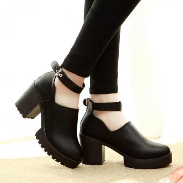 Модні жіночі туфлі на низькому каблуці 2017  фото новинок на весну ... 0ca50d7b15695